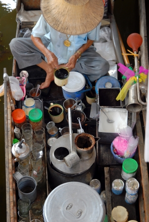 damnoen saduak:   Coffee boat   Damnoen Saduak Floating market.Ratchaburi.Thailand