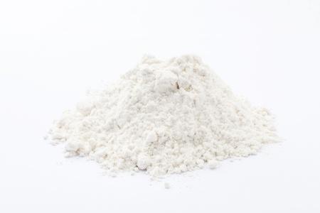 harina: harina en el fondo blanco