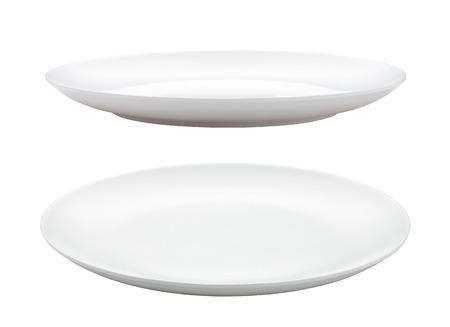 ceramiki: pusty talerz izolowane na białym