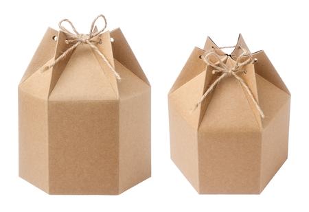 carton: caja de papel de embalaje marrón
