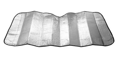 Parasole del parabrezza dell'automobile isolato su fondo bianco Archivio Fotografico