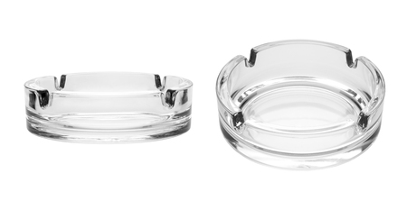 Round glass ashtray isolated on white background Banque d'images