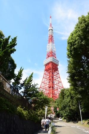 通信: 夏の終わりに背景に澄んだ空と東京タワー