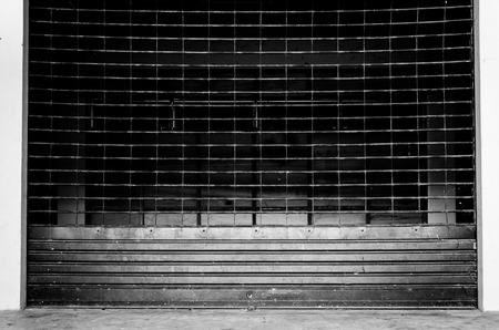 grunge roll up shutter-iron gate Banque d'images