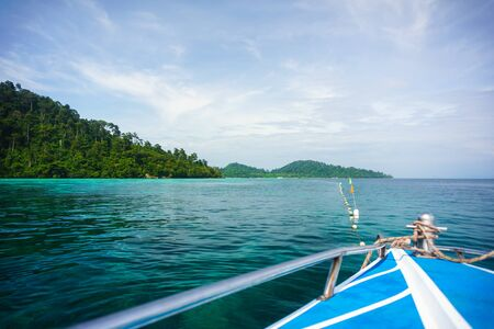 Prow of speedboat heading to the sea, Trang province, Thailand. Banque d'images