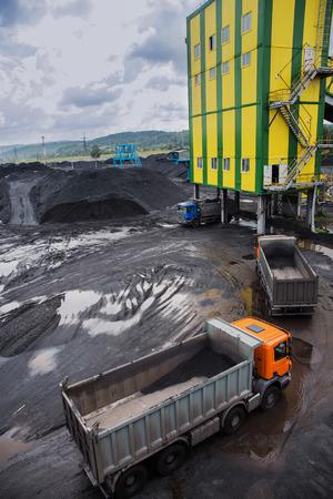 coking: coal shipment. processing factory producing coking coal