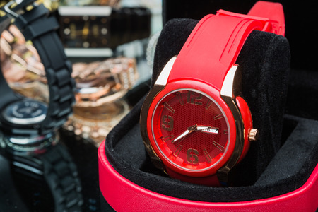compared: Red watches women, compared to other hours