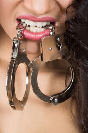 young sex: Женщина в нижнем белье, BITE наручники, БДСМ, секс-игрушки