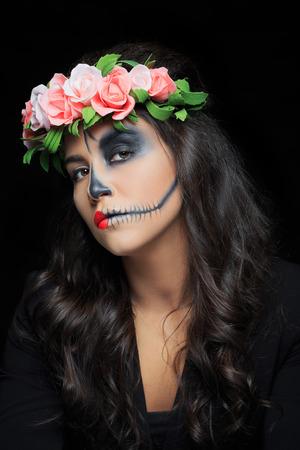 Schöne Frau Mit Dem Skelett Make Up Schwarzer Hintergrund Halbes