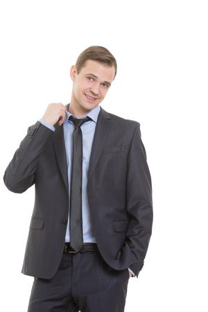 comunicacion no verbal: lenguaje corporal. hombre en traje de negocios aislado fondo blanco. gesto tirando del collar. miedo a la exposici�n