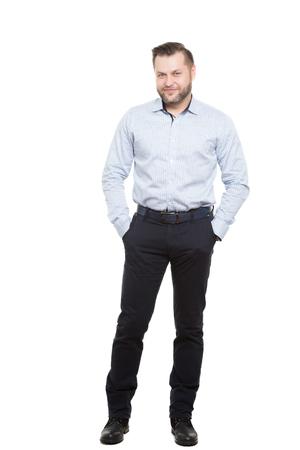 comunicacion no verbal: adulto de sexo masculino con barba. aislado en el fondo blanco.