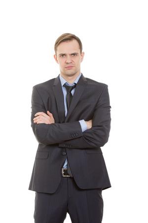comunicacion no verbal: lenguaje corporal. hombre en traje de negocios aislados sobre fondo blanco. gestos de brazos y manos. la postura de superioridad. pulgares �nfasis
