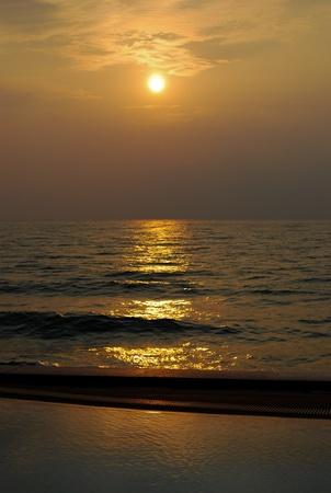 cha: Sunrise in Cha Am Beach