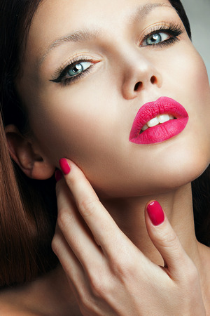 pink lips: Portrait of beautiful girl with pink lips
