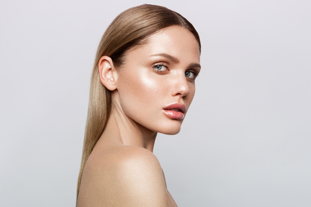 Beauty portrait of model with natural make-up Foto de archivo