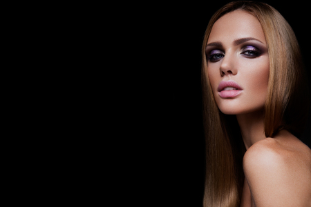 Beauty fashion model girl with bright makeup 版權商用圖片