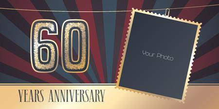 Emblema di vettore di 60 anni anniversario, logo in stile vintage. Disegno del modello, cartolina d'auguri con collage della struttura della foto su retro fondo per il sessantesimo anniversario Logo