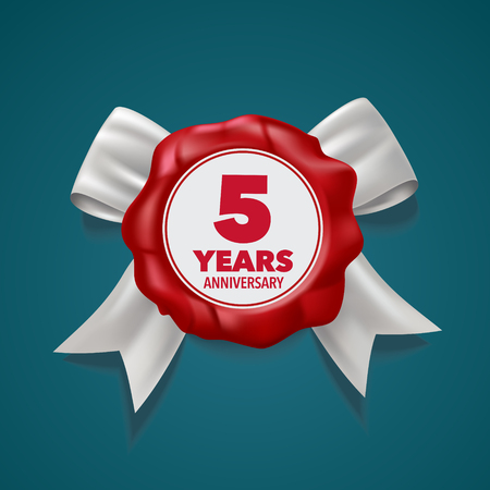 5 years anniversary icon. Template design element Stock Vector - 110947441