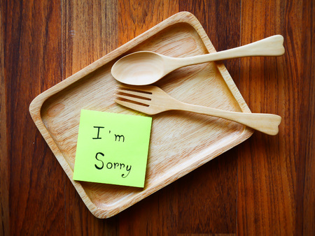 I'm sorry post note with wooden plate in morning on top view