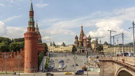 Moscow Red square. Big Moskvoretsky bridge. The repair of the sidewalk. 11.07.2017 15:23 pm