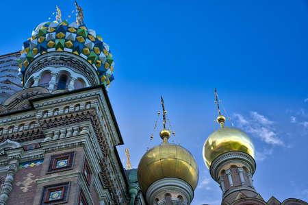 The Church of the Savior on Blood. Golden domes. A popular tourist destination. Russia Saint Petersburg 05/29/2021 Редакционное