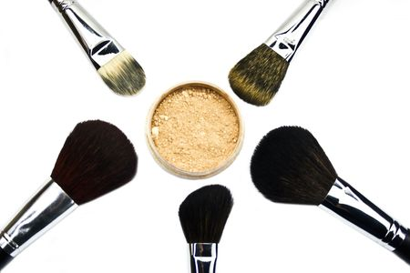 corporal: Brushes and powder isolated on white ����