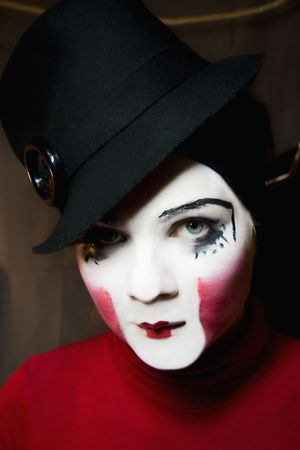 Portrait of the sad mime in a hat Imagens