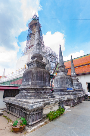 si: NAKHON SI tHAMMARAT, THAILAND - APRIL 22, 2016: pagodas in Wat Phra Mahathat Woramahawihan ,the most sacrosanct of Nakhon Si Thammarat , Now the pagoda was renovated, Nakhon Si Thammarat, Thailand. Editorial