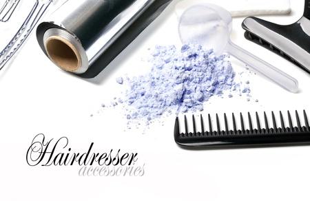 estilista: Accesorios para pintar el cabello Barber sobre un fondo blanco Foto de archivo