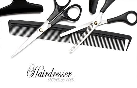 peluqueria: Tijeras y peine para el pelo aislado en blanco Foto de archivo