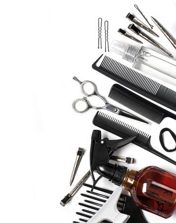 tinte cabello: Herramientas profesionales del peluquero, aislado en blanco Foto de archivo