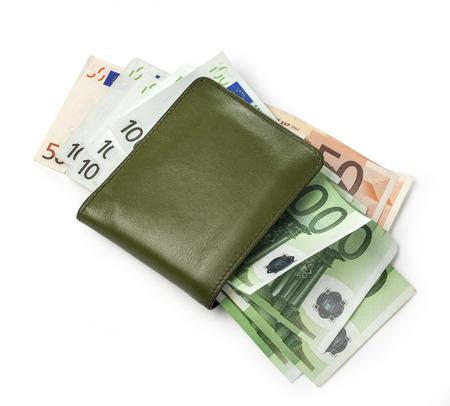letra de cambio: Monedero con euros en fondo blanco con trazado de recorte Foto de archivo