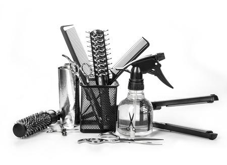 Strumenti di parrucchiere professionista, isolato su bianco