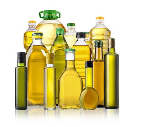 aceite de oliva: Botellas de aceite de oliva aislados en el fondo blanco Foto de archivo