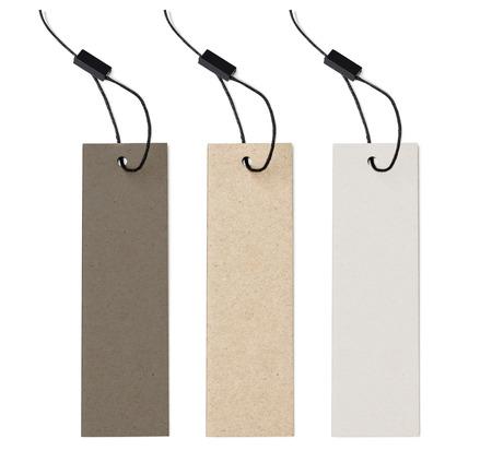 tela blanca: etiqueta de papel en blanco o conjunto de etiquetas paño aislado con el camino de recortes