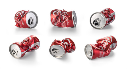 cola canette: Chisinau, Moldova - August, 26, 2016:Crumpled Coca Cola cans. Coca Cola drinks are produced and manufactured by The Coca-Cola Company, an American multinational beverage corporation. Éditoriale