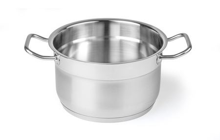 Offener Kochtopf aus Edelstahl isoliert auf weiss mit Beschneidungspfad