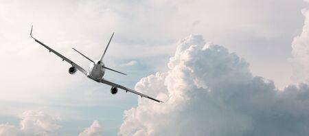 plane flying away in the sky Фото со стока - 130818102
