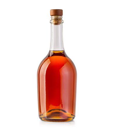 Bouteille de whisky isolé sur fond blanc Banque d'images