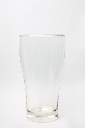 vaso vacio: vidrio claro vac�o para bebidas o etc. Foto de archivo