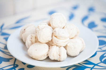 kiss biscuits: Dish of the Meringue Cake