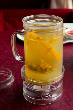 argousier: Argousier th� avec une tranche d'orange