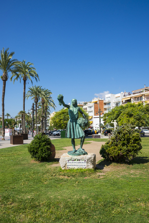 bartolome: SITGES, CATALONIA, SPAIN - SEPTEMBER 29, 2016: Statue of a woman in Sitges