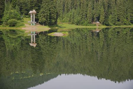 Synevyr mountain lake. Carpathian mountans, Ukraine 스톡 콘텐츠