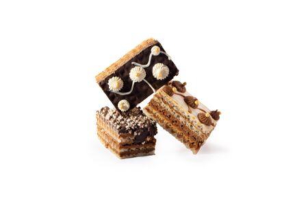 Sweet cookie cake  with vanilla cream and shkoladom. Zdjęcie Seryjne - 130954588