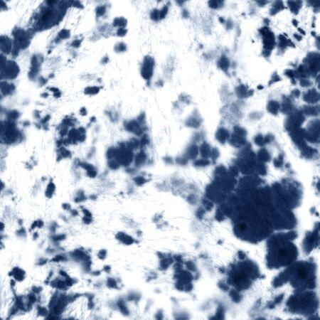 Reticolo senza giunte di shibori tie dye. Elementi ornamentali della marina blu indaco dipinti a mano dell'acquerello su fondo bianco. Struttura astratta dell'acquerello. Stampa per tessuti, tessuti, carta da parati, carta da imballaggio.