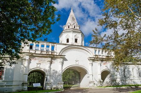 back gate: Moscow, Russia - September 1, 2016: Estate Izmaylovo. The back gate of gosudareva of a court yard