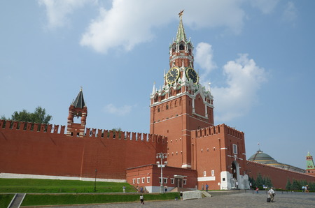 spasskaya: Moscow, Russia - July 27, 2016: Spasskaya and Tsarskaya tower of the Moscow Kremlin on the red square Editorial