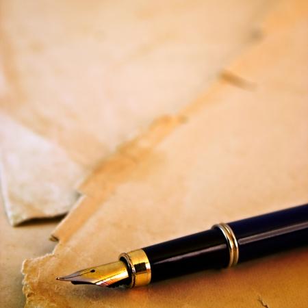 rękopis: Pióro atrament na starym wieku papieru