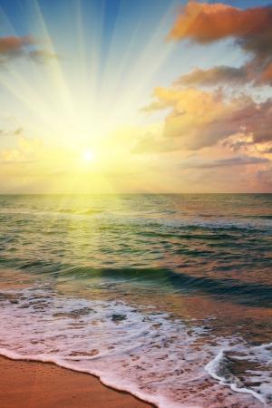 puesta de sol: mar la puesta del sol